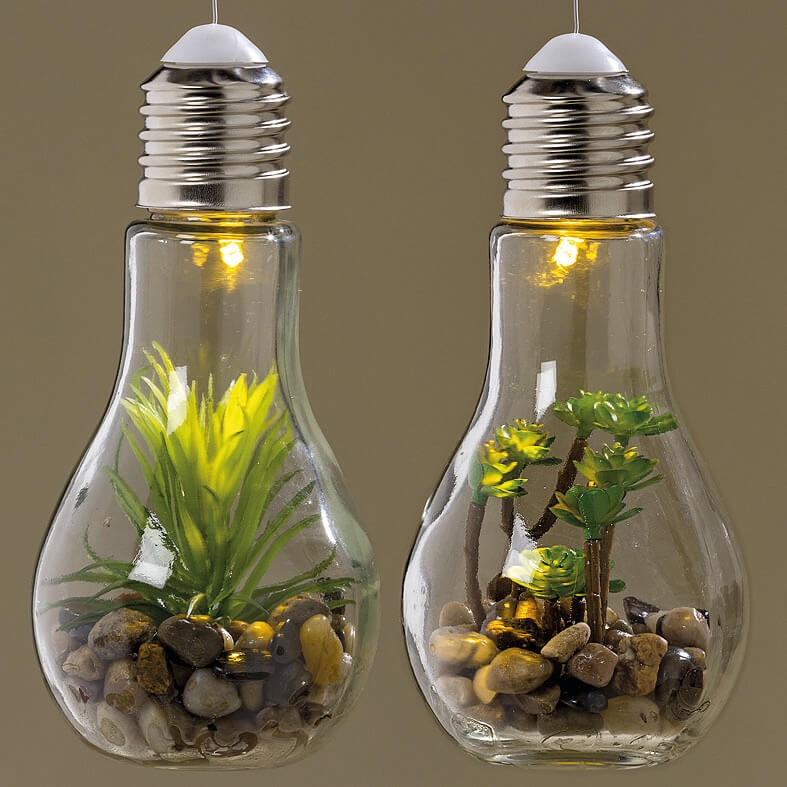 Hang led lamp met plant